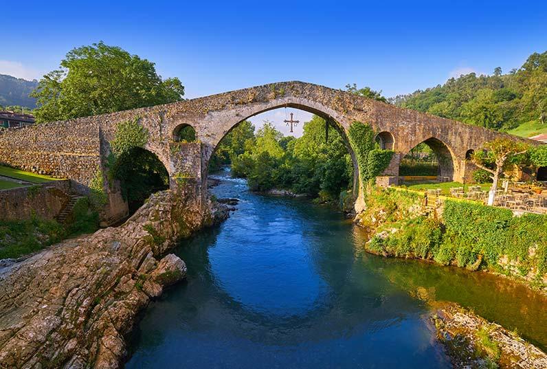 cangas de onis puente asturias
