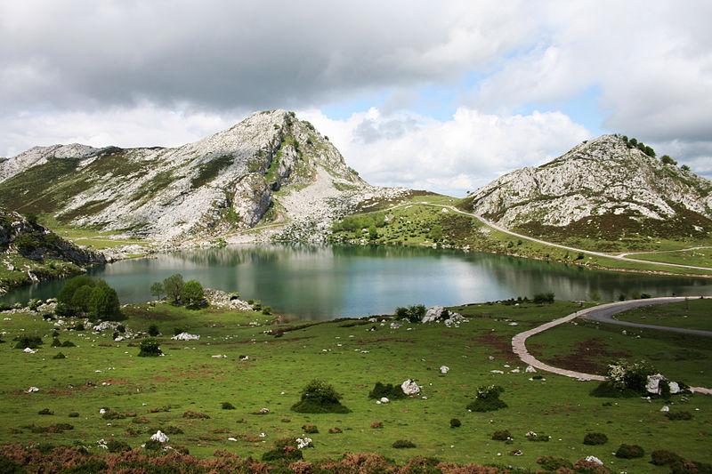 lagos de covadonga Lago Enol Asturias