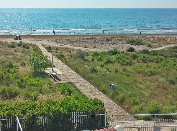 Acceso a playa Camping Torre de la Sal 1