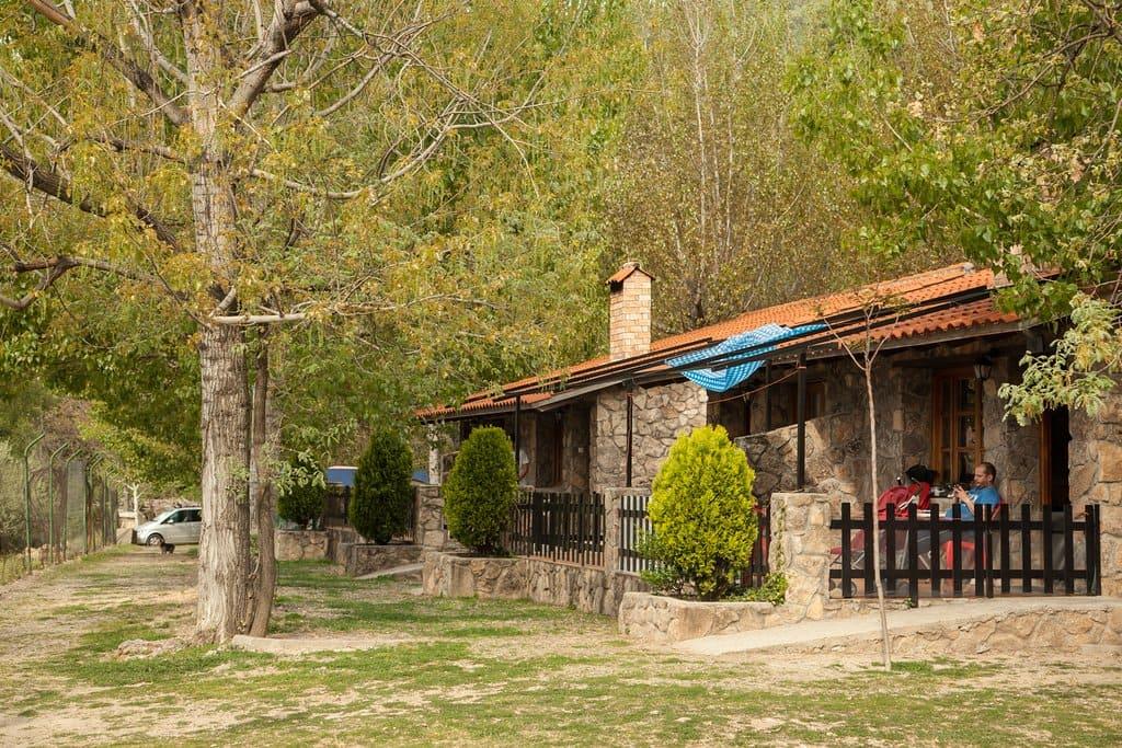 camping bungalow rio jerte