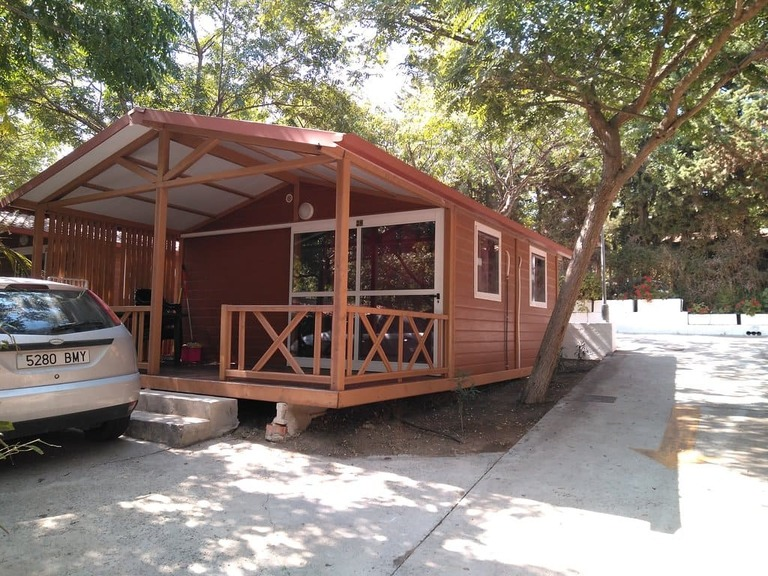 Camping Fuente del gallo bungalow