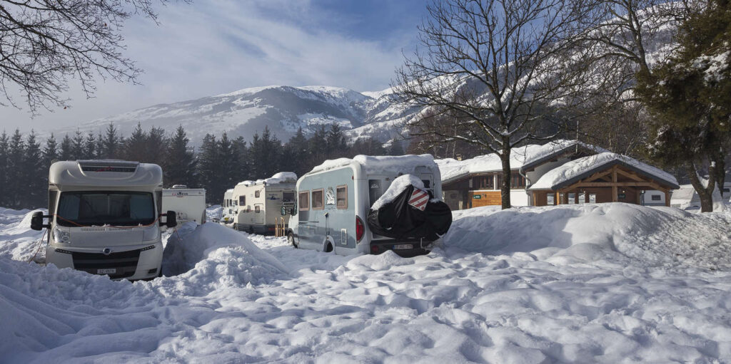 camping caravanas invierno nieve