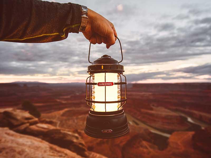 las mejores lamparas y linternas de camping